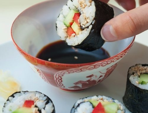 Wie mache ich vegetarisches Sushi?