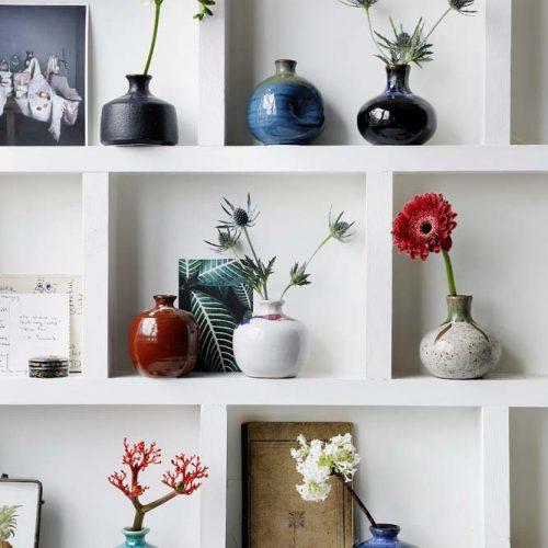 Tassen und Vasen